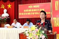 Presidenta del Parlamento vietnamita responde a preguntas de electores