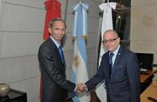 Canciller argentino recibe a embajador vietnamita designado