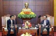 Vicepresidente de Laos visita provincia vietnamita de Hoa Binh