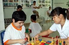 Honran en Vietnam a 120 personas por su apoyo a víctimas de la dioxina
