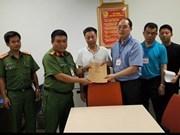 Hanoi entrega a sujeto buscado por policía china
