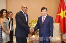 Vicepremier vietnamita aboga por promover eficiencia de mecanismos de cooperación con Cuba