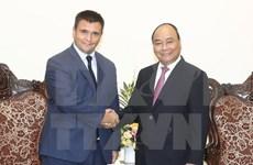 Vietnam  por ampliar cooperación en sectores potenciales con Ucrania y Sudáfrica