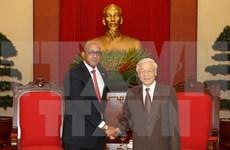 Embajador de Cuba en Vietnam honrado por aportes al fomento de nexos binacionales