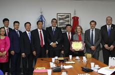 Vietnam intensifica intercambio de experiencias legislativas con Argentina y Paraguay