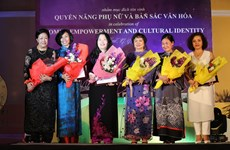 Celebran en Vietnam velada cultural del Foro sobre Mujer y Economía del APEC