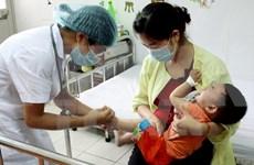 Doctores voluntarios vietnamitas y camboyanos ofrecen servicios sanitarios gratuitos en Phnom Penh