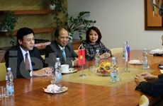 Comunidades vietnamitas y checas intensifican cooperación