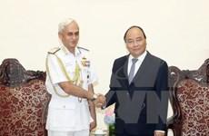 Visita a Vietnam de Comandante de la Fuerza Naval india, muestra de amistad tradicional