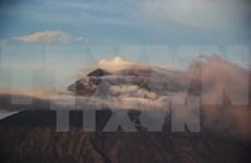 Erupción del volcán Agung afecta al turismo en Bali