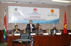 Efectúan en Sudáfrica seminario sobre oportunidades de inversión en Vietnam