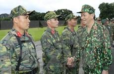 Presidente de Vietnam enfatiza en labor de defensa asociada con desarrollo socioeconómico
