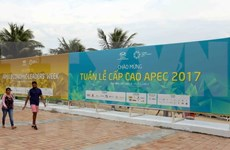 Representantes y corresponsales internacionales destacan preparativos de Vietnam para APEC 2017