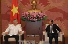 Dirigentes vietnamitas reciben a delegación de Cuba