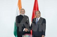 Premier vietnamita se reúne con su par indio durante Cumbre de ASEAN en Filipinas