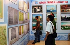 Exponen en Phu Tho documentos históricos sobre Hoang Sa y Truong Sa de Vietnam