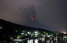 Turistas vietnamitas atrapados en Bali por erupción volcánica