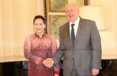 Presidenta de Parlamento vietnamita se reúne con gobernador general de Australia