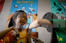 Filipinas decreta suspensión de venta de Dengvaxia