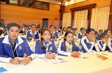 Jóvenes vietnamitas debaten sobre medulares temas de actualidad