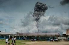 Entra en erupción volcán Sinabung en Indonesia