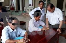 Japón respalda enseñanza informática a ciegos en Vietnam