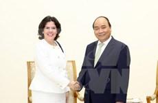 Dirigentes de Vietnam reciben a embajadora de Cuba