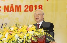Máximo dirigente partidista traza principales labores de Vietnam en 2018
