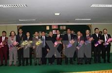Camboya presenta orden de amistad a diplomáticos y periodistas vietnamitas
