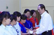 Presidente vietnamita reconoce esfuerzos para mejorar la vida de los obreros