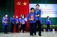 Presidenta del Parlamento de Vietnam felicita a pobladores de provincias sureñas por el Tet