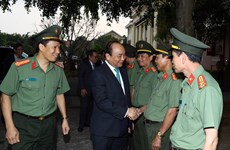 Premier vietnamita dialoga con guardia fronteriza en Dak Nong