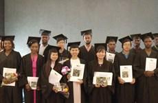 Estudiantes vietnamitas alcanzan el título de Máster en Agricultura en Tel Aviv