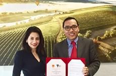 Firman acuerdo para reforzar nexos entre localidades vietnamitas y estado australiano de Victoria