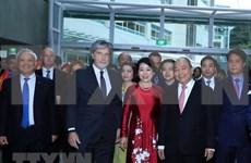 Premier de Vietnam visita Universidad de Tecnología de Auckland