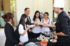 Disfrutan de gastronomía de Francia en Ciudad Ho Chi Minh