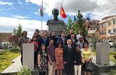 Compatriotas en extranjero son una parte inseparable del pueblo vietnamita, sostuvo vicepresidente del Parlamento