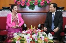 Organizaciones de masas de Vietnam y Laos consolidan cooperación mutua
