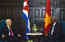 Vietnam siempre acompaña a Cuba en su actualización de modelo económico, afirma Nguyen Phu Trong