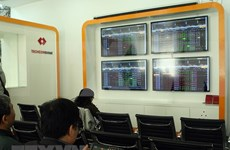Bolsas de valores de Hanoi y Moscú firman acuerdo de cooperación