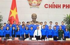 Primer ministro de Vietnam pide mayor apoyo a jóvenes emprendedores
