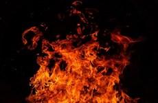 Indonesia: Al menos 10 muertos por incendio de pozo de petróleo