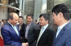 Premier vietnamita concluye visita a Singapur y su participación de Cumbre de ASEAN