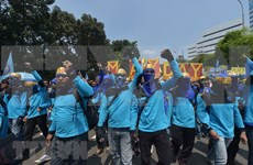 Indonesios demandan al Gobierno limitar contrato de trabajadores extranjeros