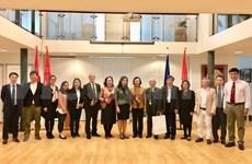 Delegación vietnamita para la movilización de masas visita Holanda