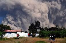 Indonesia eleva la alerta por erupción del volcán Merapi
