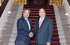 Premier vietnamita promete más apoyo en la capacitación del personal a Laos