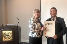 Primer vietnamita reconocido por la Academia Internacional para la Calidad