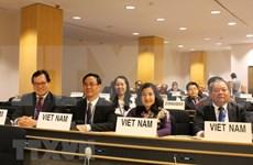 Vietnam garantiza derechos de trabajadoras, afirma viceministra
