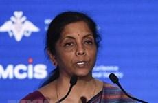 Ministra de Defensa de la India visita Vietnam